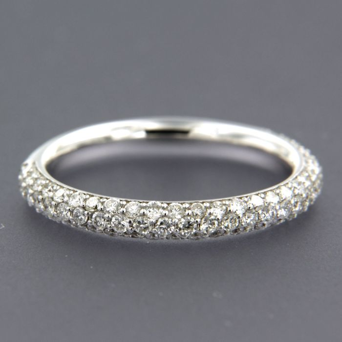Ring - White gold - No indication of treatments - 0.8 ct - Diamond