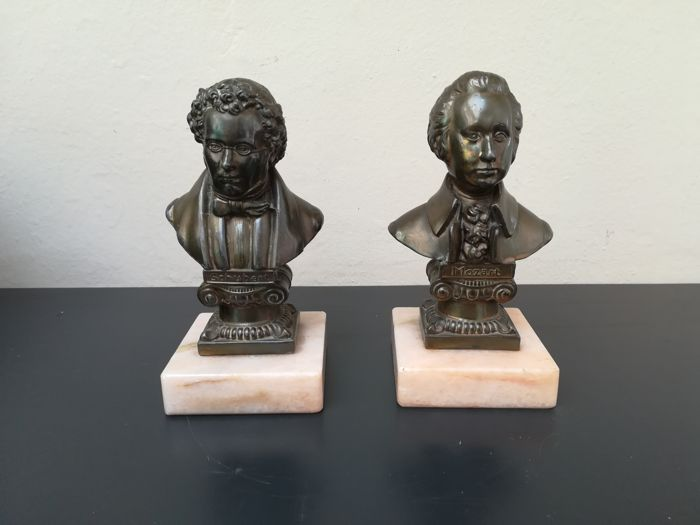 Two bronze sculpture on a marble base of Mozart and Schubert - 20th century