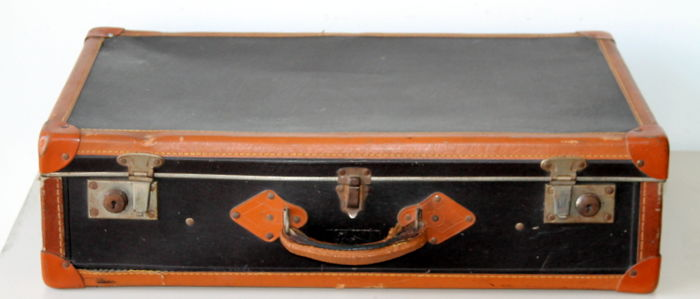 Fiat 500 cardboard travel suitcase - 'Ricordi d'estate' Italian history in the 1930s suitcase, well preserved