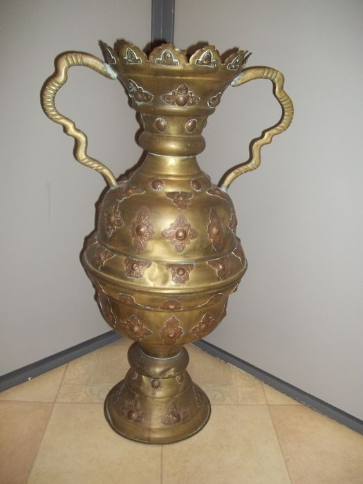 Very large old jug/vase of copper / brass - height 74 cm - weight 5.5 kg - rare.