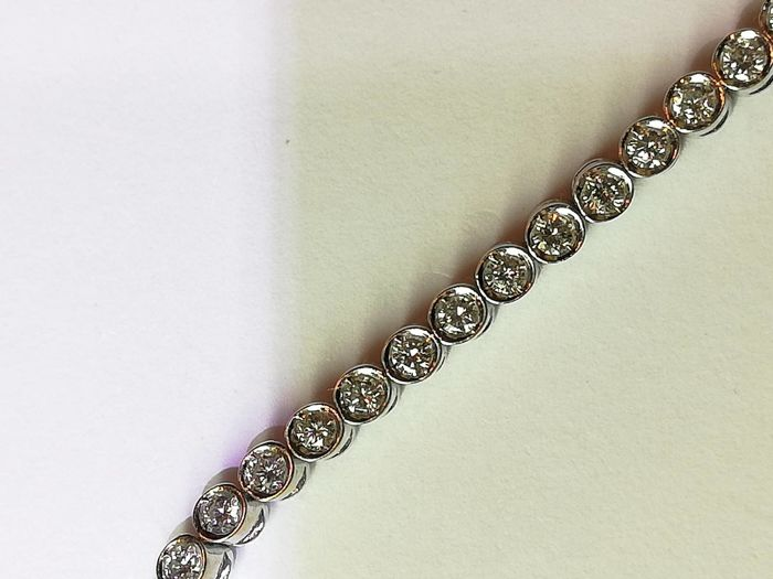 Diamond tennis bracelet - Length 19 cm