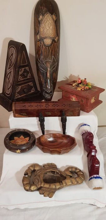 Interesting lot including various African items - mask, scorpion shaped ashtray, decorative box, incense holder, figurines and more