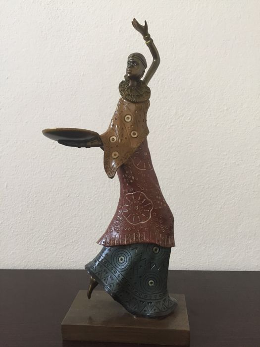 African woman - statuette in ceramic and metal, precise working on the wood - Masai