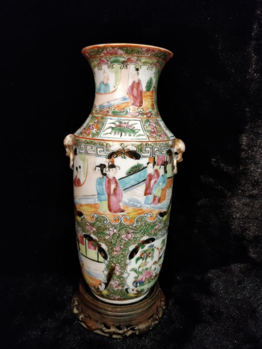 'Canton' porcelain vase with characters decoration - China - 19th century