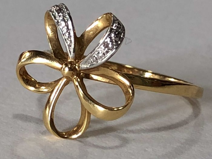 Cocktail ring ladies gold 18 kt/750 with two brilliants of 0.010 ct in total 0.020 ct H/SI/VS - 17 mm