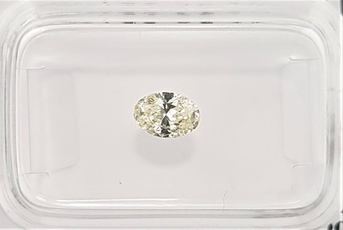 0.37 ct - Natural Fancy Oval Diamond - Yellow Color - VS2 - NO RESERVE!