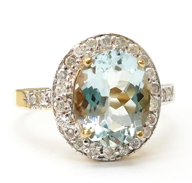 14ct yellow gold Aquamarine & 0.26 ct Diamond ring. Size L 1/2