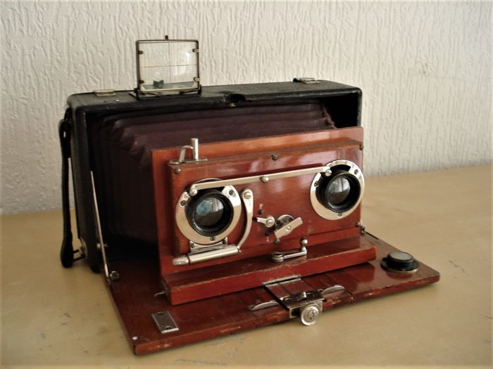 Beautiful antique stereo plate camera, noble wood, leather covered, ca 1898