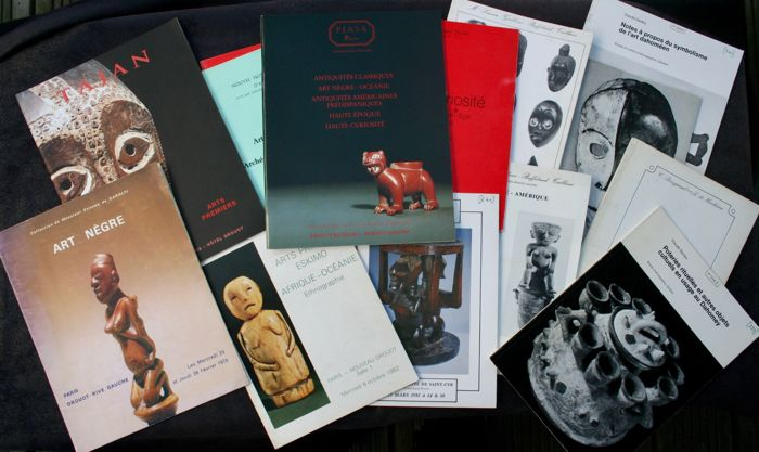 12 Sales Catalogues Drouot & Divers - OE - French - Notes about the symbolism of Dahomean art & ritual potteries, as well as other cultural objects in use in Dahomey