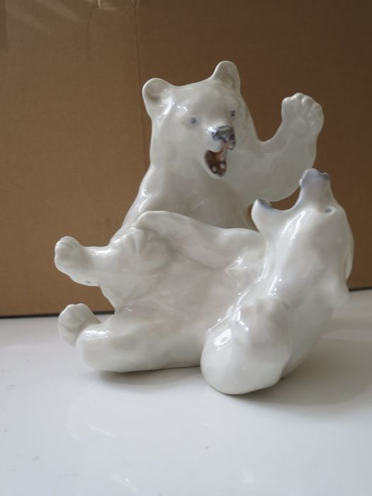 Royal Copenhagen figurine - Two Playing Polar bear cubs by Knud Kyhn No. 1107.