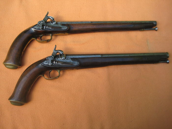 Southern Italy, a pair of percussion pistols