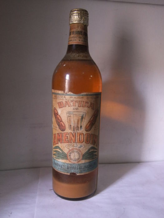 Batida de Amendoim (peanut liquor) with 54% ABV - bottled 1940s/50s