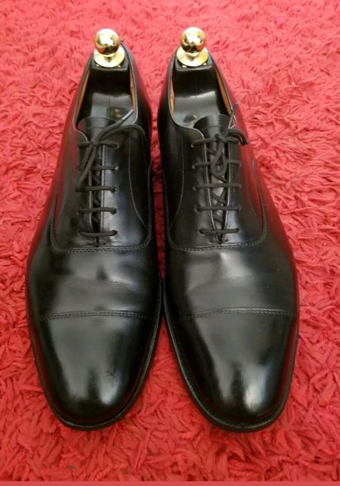 Black lace-up Consul derby shoes by Church's, 75 F/41.5, in excellent condition