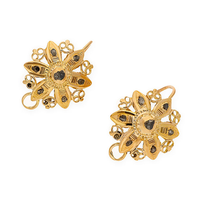 Yellow gold 18 kt - Earrings - Antique flat cut diamonds 0.40 ct - Earring height 25.70 mm (approx.)