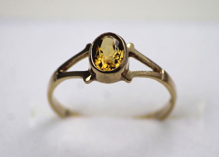Gold 9kt Ring 1.42g Set With Citrine, Circa 1916