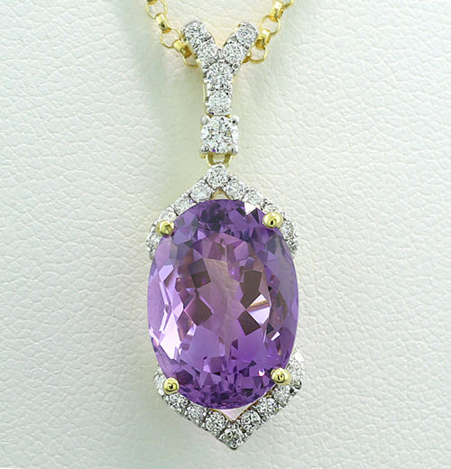 Amethyst and brilliant necklace in oriental style totalling 8.00 ct, 750 yellow gold