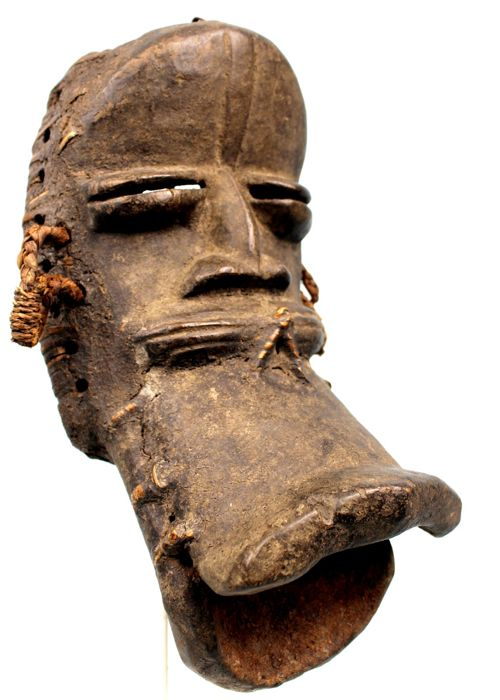 Spectacular Mask made of wood and fibers - KRAN - Cote d'Ivoire