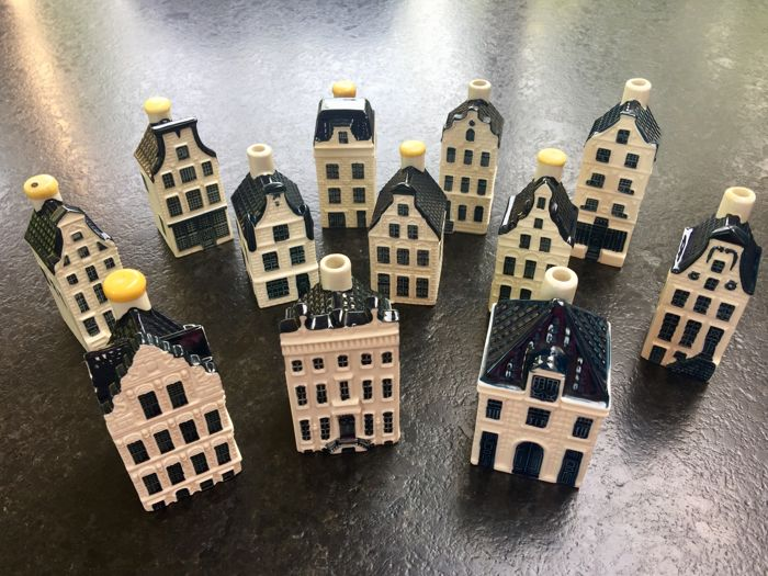 12 pieces Delfst blue KLM houses from Bols