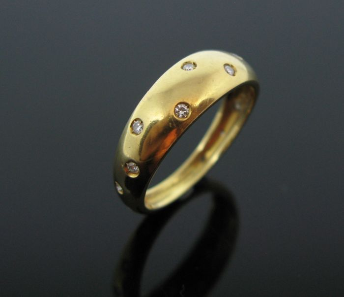 + No reserve price + Weight 4,7 gr - 18 kt yellow gold ring set with 13 diamonds round-brillant cut tot 0,30 ct  F/VVS1