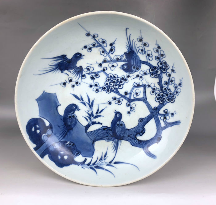 Nice porcelain plate with flowers and birds painting - China - 19th C