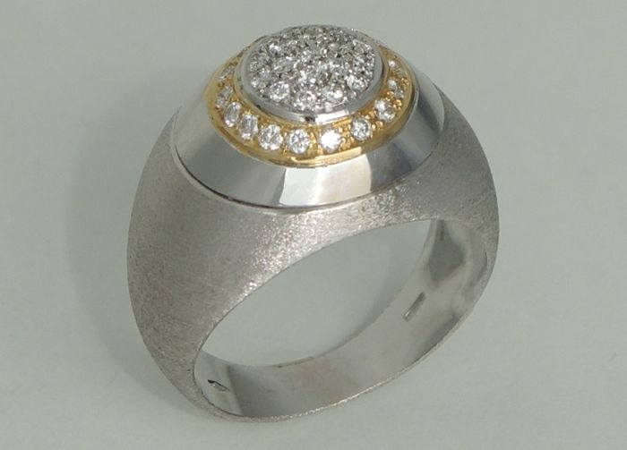 18kt gold ring with diamonds – size 55 1/2 – unused