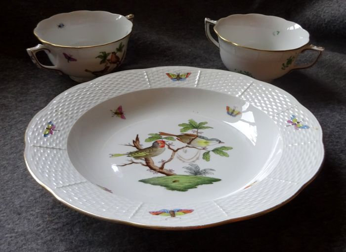 Porcelain a plate with birds and two soup bowls