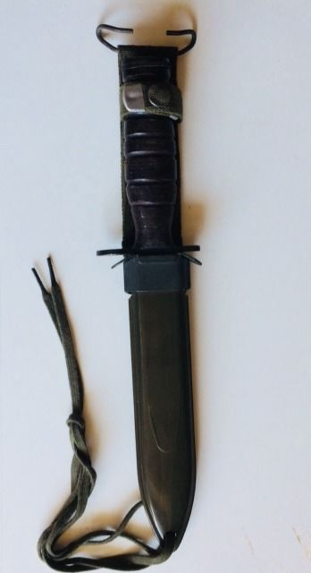 US Army M3 fighting knife in sheath type M8A1, United States, beautifully stamped, very good condition