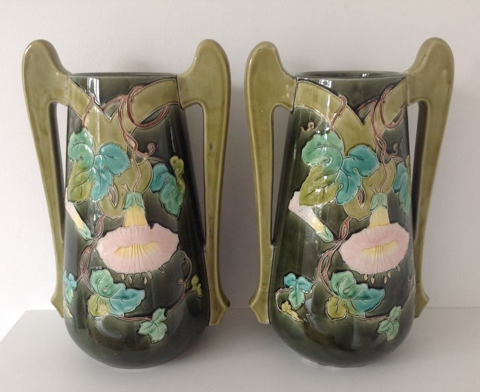 De Bruyn (fives Lille) - Pair of barbotine vases