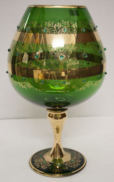 Murano (unattributed) - Large blown glass stem glass with gold leaf decorations (37 cm)