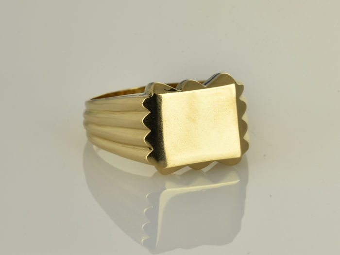 Ring made of 18 kt gold. Size 62 (ø 20 mm)