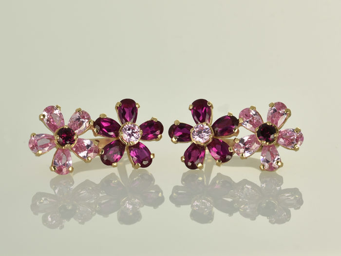 Earrings in 14 kt gold Rhodolite Pyrope 21 x 11 x 13 mm
