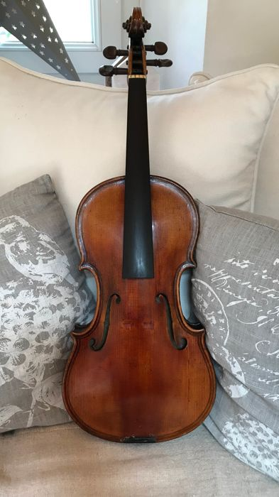 Very Beautiful Master Violin, Complete, A Master Replica!!:  Giovan Paolo Maggini brescia 1647.  Very Rare and Beautiful Speckled Maple, Superb Luthier Craftsmanship (17th-18th Century)