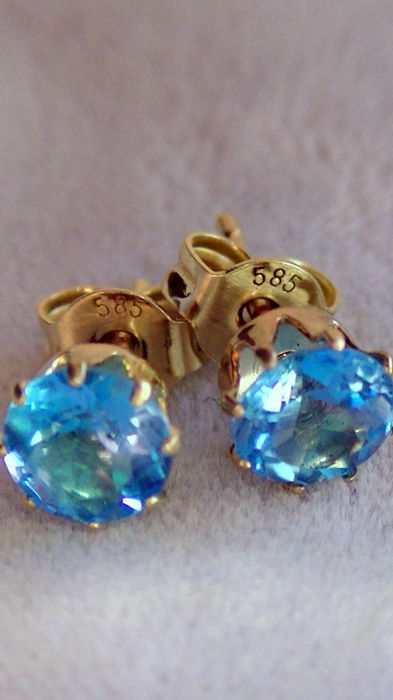 Stud earrings blue topaz 6 mm in 585 gold no reserve price