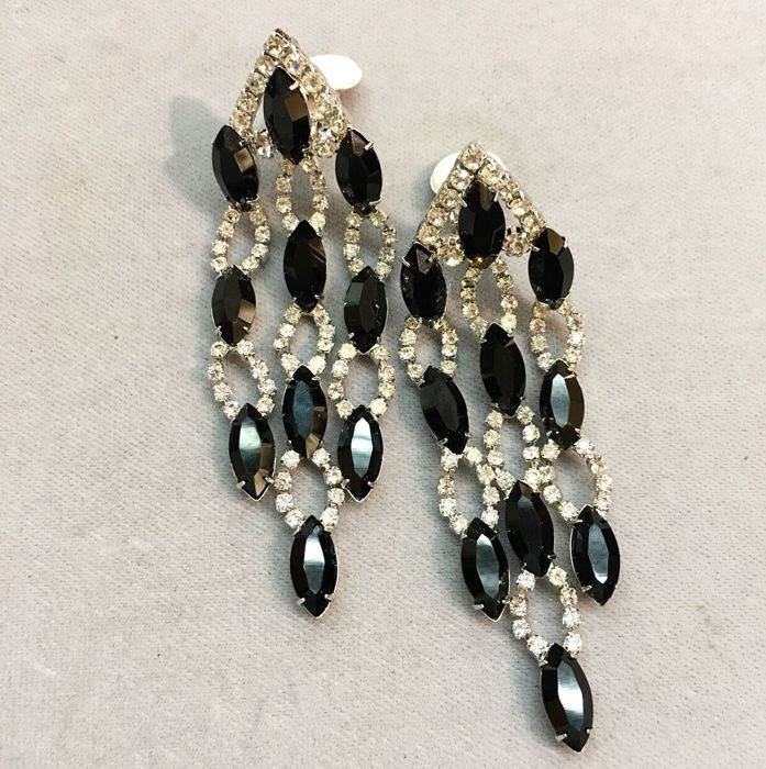 Kenneth jay lane rhodium plated black crystals 9 cm chandelier clip kenneth jay lane rhodium plated black crystals 9 cm chandelier clip earrings aloadofball Image collections