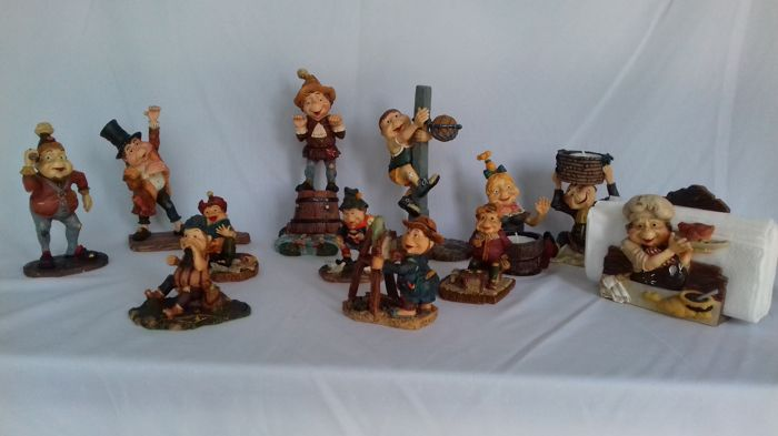 Collection of 12 Efteling Laaf figurines