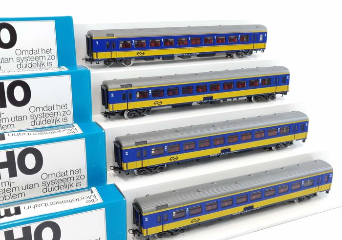Märklin H0 - 4264/4265 - Passenger carriage - 4 ICR careers, including interior lighting - NS