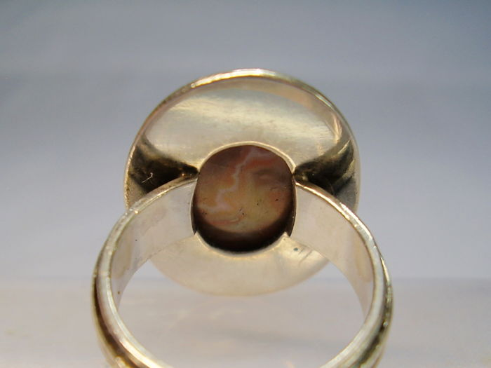 Antique ring with rare, large, Saxonian fortification agate weighing