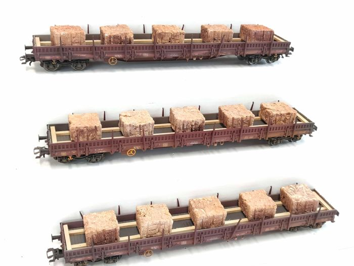 Märklin H0 - 47042 - Freight carriage - 3 low side cars with stone load - DB
