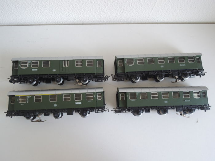 Märklin H0 - 4067/4079/4080 - Passagierswagen - 4 coupé carriages, 3x with lights - DB