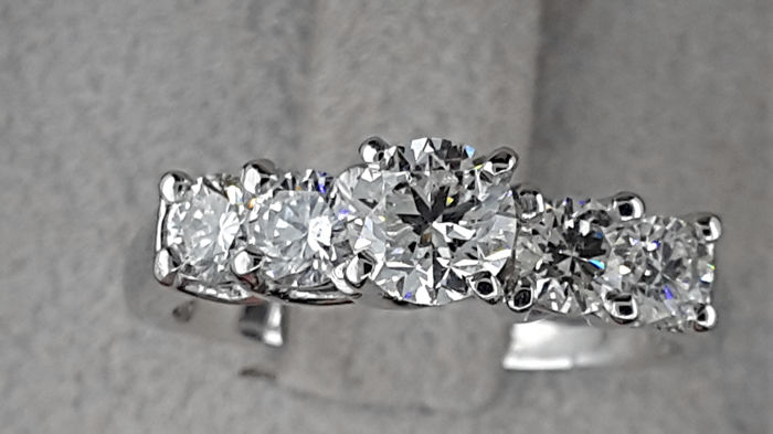 AIG 1.34 carat TCW Diamond Engagement Ring in Solid White Gold 14K - No Reserve Price