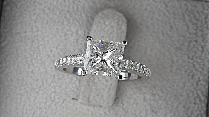 2.38 carat TCW Princess Diamond Engagement Ring in Solid White Gold 14K - size 7