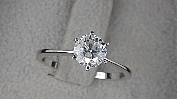 1.01 carat D/VS2 Round Diamond Solitaire Engagement Ring in Solid White Gold 14K - No Reserve Price
