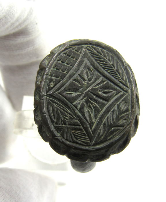 Medieval Crusader's Era Brons Ring with Star of Bethlehem & 4 Symbols - 2cm