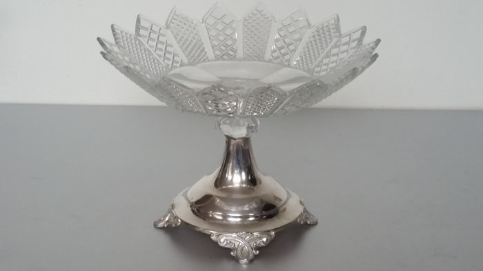 Large, crystal Tazza on silver stand, Fa. J.M. van Kempen and Sons, Voorschoten 1889
