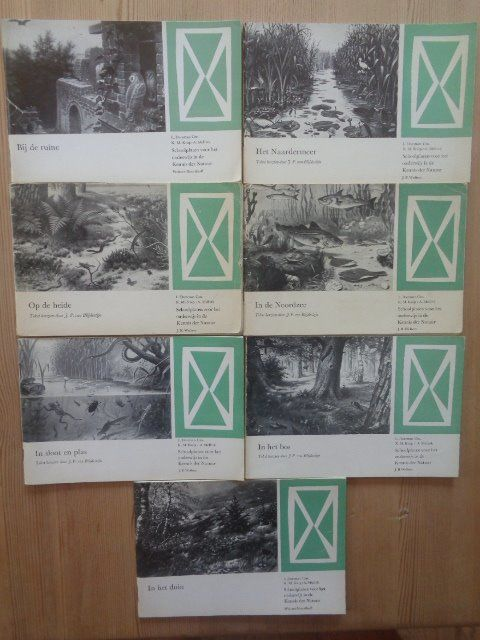 Seven school poster booklets that belong and explain the school posters of M.A. Koekoek