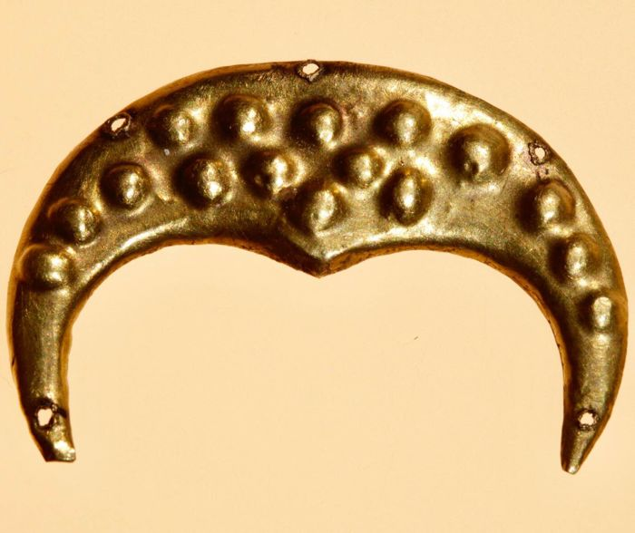 Early medieval Gold Excellent Filigree Viking Gold Lunar pendandant - 3,4cm.
