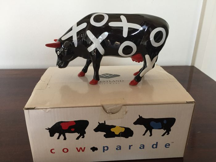 CowParade Hugs and Smooches. Medium.  Retired.