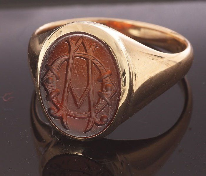14 kt Yellow golden signet ring with agate - Ring size: 60 - Stone engraving monogram: A.O.