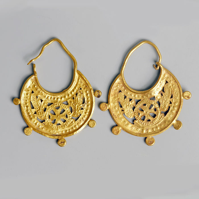 Byzantijns Goud Pair of Earrings with Cross and Doves - Width 3.9 cm