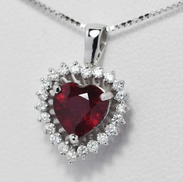 18 ct. white gold Ruby and diamonds pendant including chain with length 45 cm
